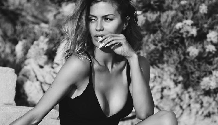 «Развел на интим»: модельный агент унизил Викторию Боню показав ее грудь всей стране