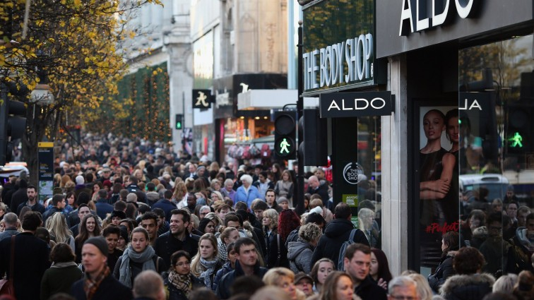Brits will spend £2.6 billion today as high streets get set for 'Panic Saturday'
