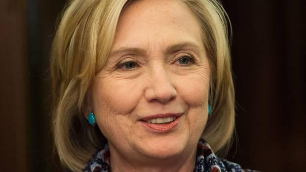 Pizza shop gunman 'probing Hillary Clinton conspiracy theory'
