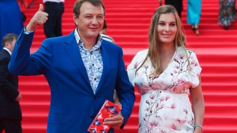 Гражданская жена Марата Башарова впервые показала их «мусульманского» сына Марселя