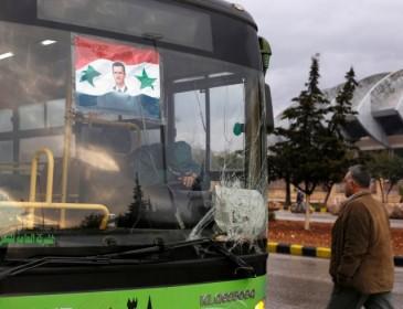 Aleppo battle: Evacuation of sick and injured delayed over Assad regime demands