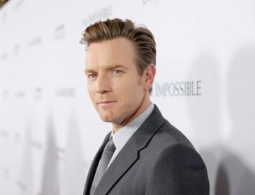 Danny Boyle says he felt terrible for casting Leonardo DiCaprio over Ewan McGregor for The Beach