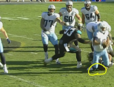 NFL star suffers brutal ankle injury — carted off the field