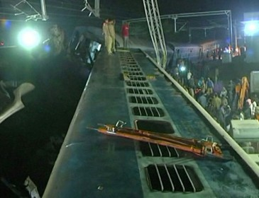 India train crash: At least 36 killed in latest India train disaster