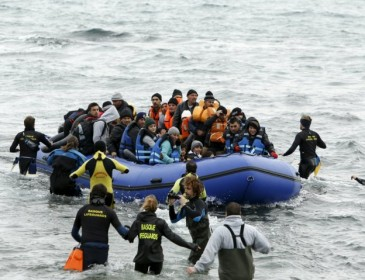 Close to 100 feared dead after migrant boat capsizes off Libya coast