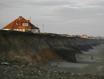 Man killed after cliff collapses onto beach in the UK