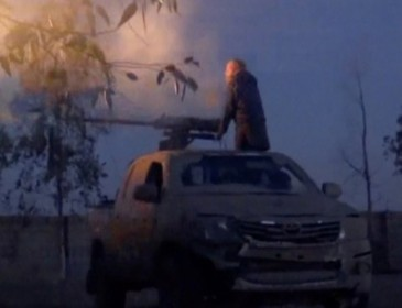 At least 30 dead in Deir ez-Zour after Isis launches biggest attack in Syria for months