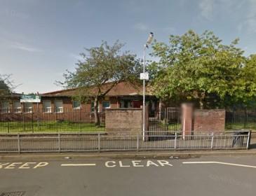 Gunman opens fire outside primary school in Glasgow
