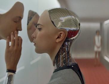 Секс с роботами: миф или реальность ближайшего будущего?