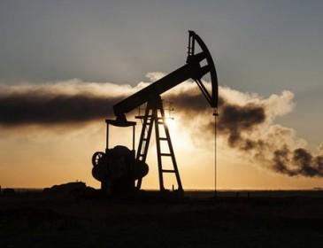 В мире стремительно падают цены на нефть. Что ожидать дальше? (ИНФОГРАФИКА)
