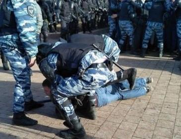 В Москве разогнали митинг против коррупции, задержаны полтысячи человек