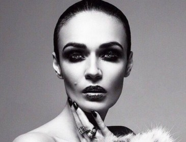 Алена Водонаева считает, что у каждой женщины должна быть «аккуратная писечка»