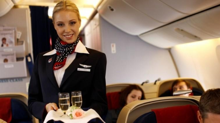 Стюардесса рассказала как сделать «все правильно» прямо в самолете