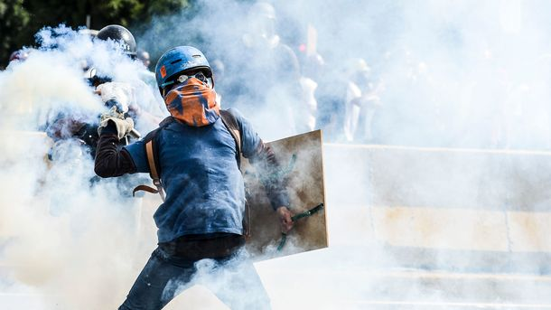 В ожесточенных протестах в Венесуэле за день пострадали 250 человек