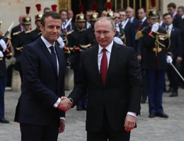Как Путин подружился с Макроном