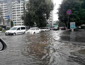 Москва утонула после жуткой бури. Шокирующие кадры!