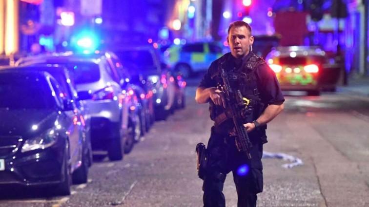 Наезд на толпу в Лондоне: первые кадры с места происшествия