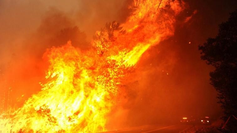 Пожар на фабрике фейерверков: восемь жертв