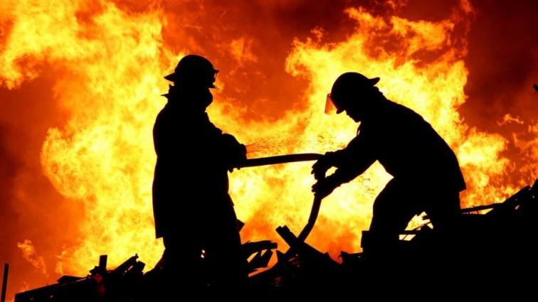 Масштабный пожар произошел на складах в Москве. Там такое…