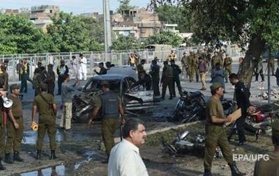 Ужасный теракт в Пакистане:  на рынке погибли 25 человек
