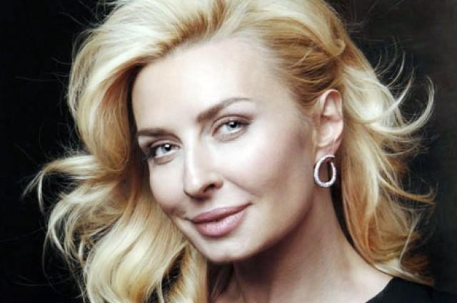 Любовь творит чудеса! 50-летняя Татьяна Овсиенко безумно похорошела перед свадьбой. Такой цветущей вы ее еще не видели