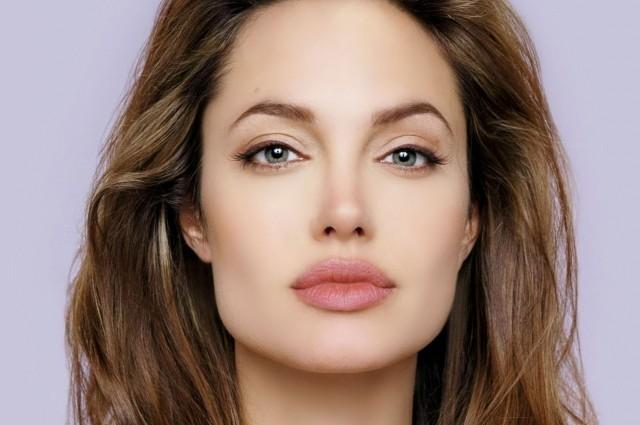 Джоли бросила Брэд Питта ради любовника: Неожиданное разоблачение