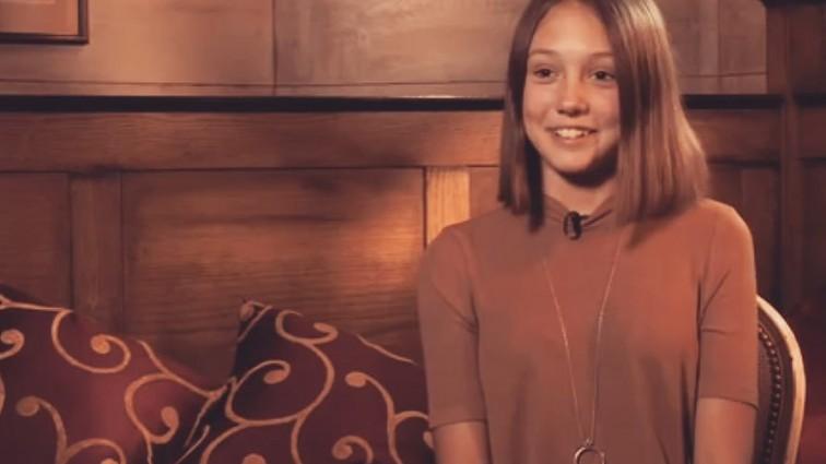 «Пуговка повзрослела»: Катя Старшова в купальнике засветила не детские размеры