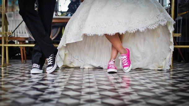 Съездил в отпуск: белоруса за границей взяли в «плен» за отказ жениться