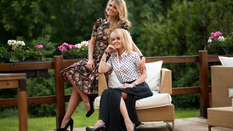 «Как сестры родные»: Дочь певицы Валерии удивила поразительным сходством с мамой.