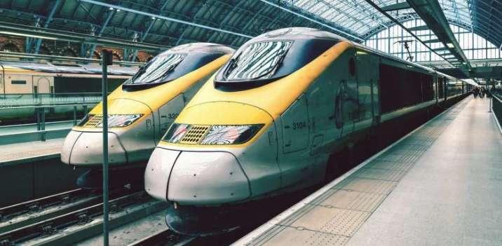 Поезд въехал в переполненный перрон, полсотни пострадавших (фото, видео)