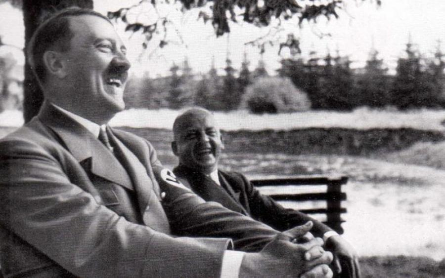 adolf-hitler-smiling-in-color-image-ipyw