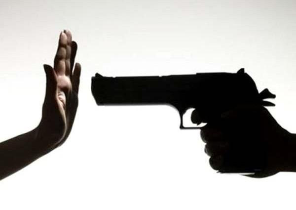 Школьница жестоко убила мать из-за глупости: Шокирующие подробности не для слабонервных