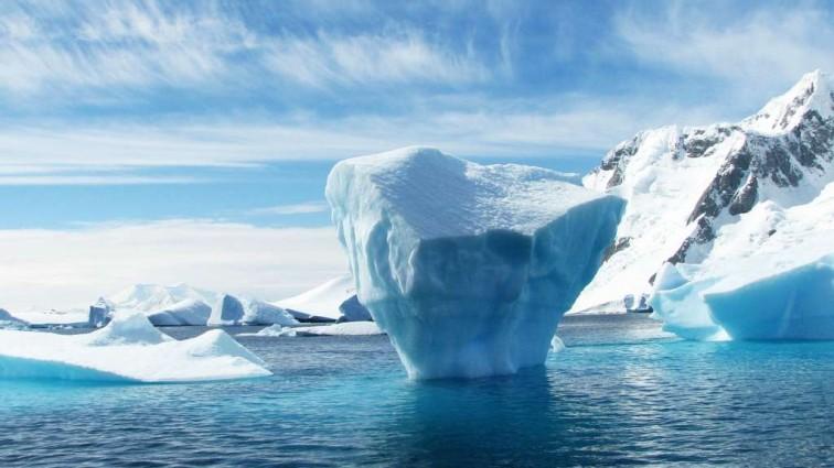 На Земле образовался айсберг гигантских размеров (фото)
