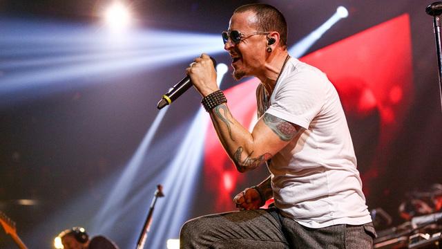 Погибшему вокалисту Linkin Park соорудили необычный мемориал (фото)