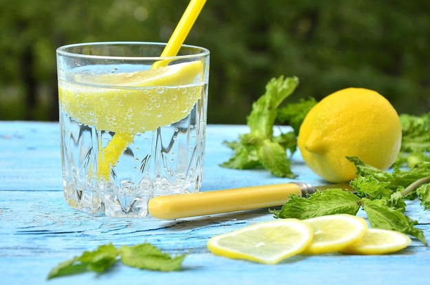 Какой водой умываться: простые советы