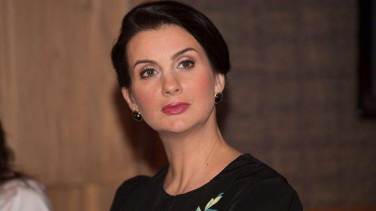 Сногшибательная! Преобразившаяся Екатерина Стриженова продемонстрировала «осиную талию»