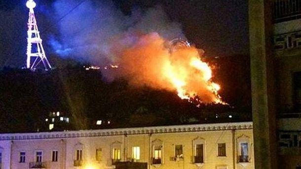 Крупный пожар в столице Грузии