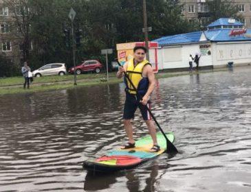 Один из городов России идет под воду: машины и дома смывает с лица земли. То, что там творится УЖАСАЕТ