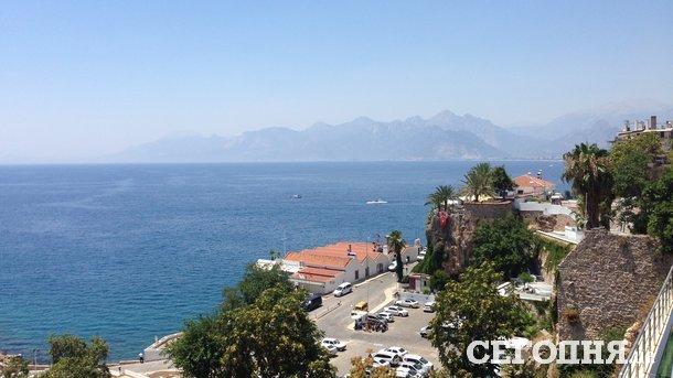 Турист из России напал на полицейского в Турции