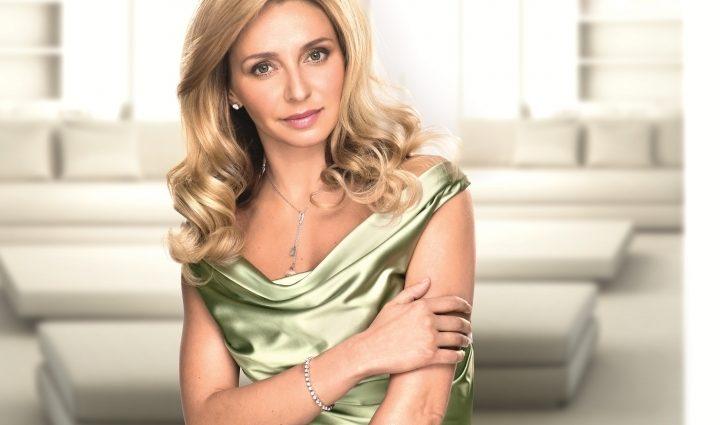 Татьяна Навка произвела фурор новыми фото с роддома. Только посмотрите на нее!
