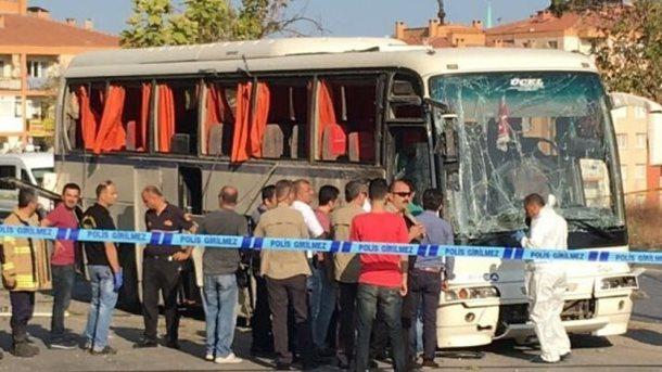 Мощный взрыв! Подорвали автобус с туристами, есть пострадавшие