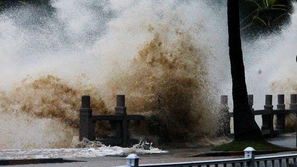 Адская стихия! Страшный тайфун разрушает страну: опубликованы фото