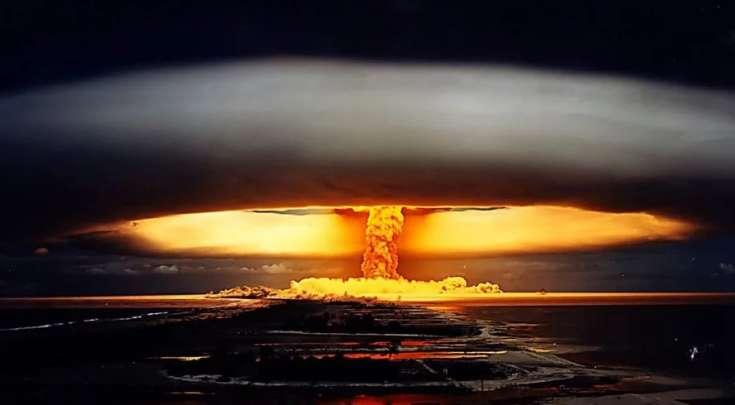 В США сбросили ядерные бомбы
