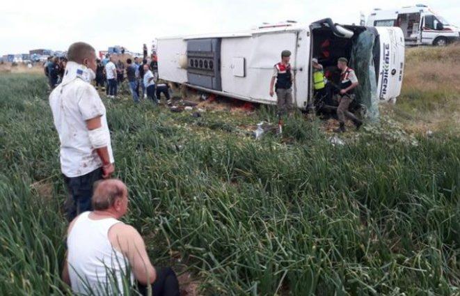 Смертельное ДТП в Турции: разбился автобус с пассажирами (фото)