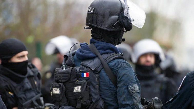 Появились кадры с места наезда на военных во Франции (фото)