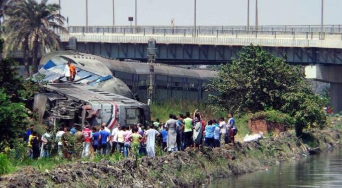 Столкновение поездов: десятки погибших и полсотни раненых (фото)