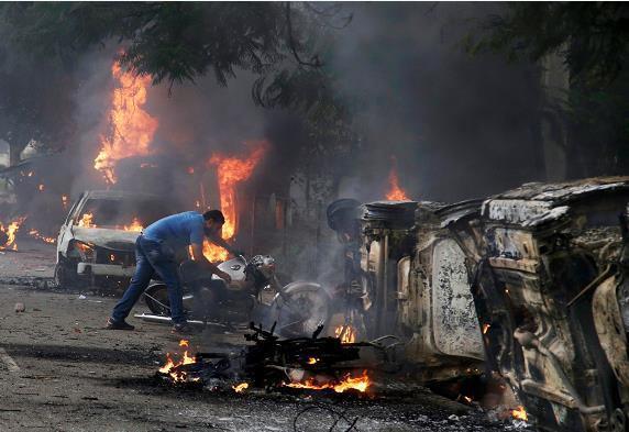 В Индии сектанты устроили смертельную бойню: десятки погибших (фото)