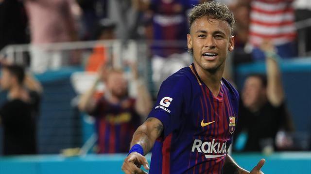 Названа зарплата самого дорого футболиста мира
