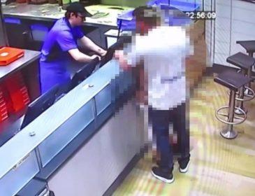 Безумная пара занялась «этим» прямо в пиццерии. Этим 18-ти минутным видео были шокированы ВСЕ (18+)