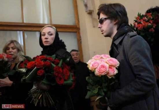 «Не стало замечательной и яркой звезды»: Умерла известная российская актриса. Поклонники не могут прийти в себя!